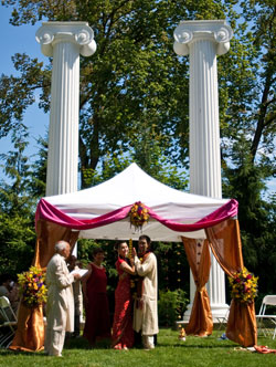 Jennifer and Amit's traditional Indian ceremony