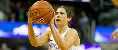 uw basketball player kelsy plum