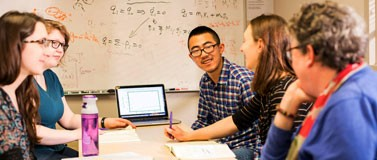 A University of Washington study has found that social dynamics affect student performance on group projects.