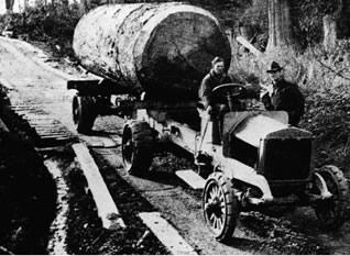 Diamond-T log truck