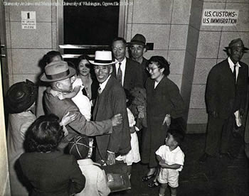 the experiences of chinese and japanese immigrants in the united states Immigration timeline  chinese immigrants began to  leaving few with the means or incentive to come to the united states many recent immigrants returned to.