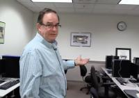 Dan Comden shows off the Accessible Technology Center.