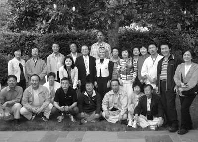 Group photo of Sheryl Burgstahler and the KISE participants.