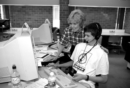 Picture of Sheryl and Carson in computer lab.