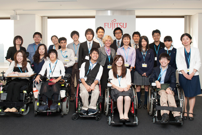 Group photo of Directors Burgstahler and Kondo with DO-IT participants in Fujitsu.