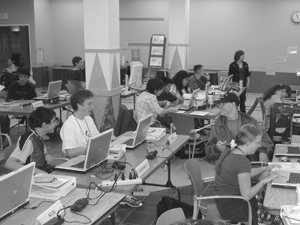 Photo of Phase 1 DO-IT Scholars in the computer lab.