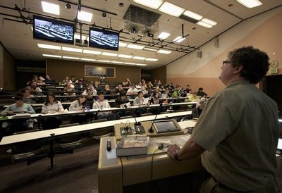 Uw School Of Medicine >> New high-tech classroom links campuses for dental ...